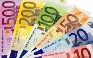 Fuga di soldi dall'Italia: maggio, via 38 miliardi. E i Bot a 9 mesi sono i meno sicuri d'Europa