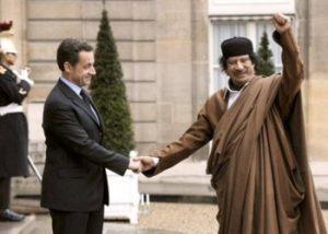Nicolas Sarkozy arrestato. Accusa: tangenti da Gheddafi. Poi gli fece guerra