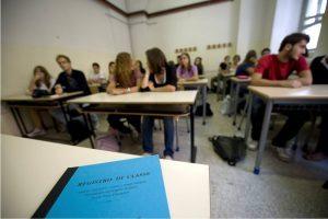 Alessandria: prof legata e presa a calci, video online. Classe sospesa per un mese