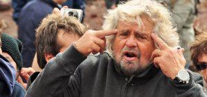 """Beppe Grillo: """"Basta lavorare, ci vuole un reddito di nascita"""""""