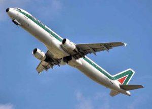 Alitalia, tutto slitta a ottobre ma c'è il giallo del decreto