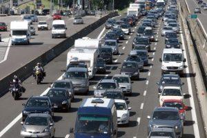 Traffico e code sulle autostrade per Pasquetta, tra tamponamenti e gite
