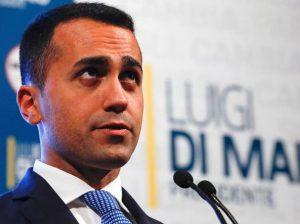 """Migranti sbarcati da Diciotti, Salvini indagato. Di Maio: """"Governo compatto"""""""