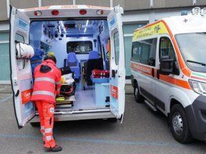 Roma, bimbo di tre anni si lega uno spago attorno al collo: in coma