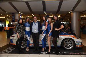 """""""Porsche e Rosmarc: Donne e motori all'aeroporto di Verona"""