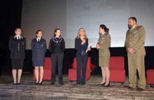 Per l'evento 'Storie di Donne' è stato presentato il calendario in onore delle Donne che sono entrate nelle Forze Armate circa vent'anni fa.