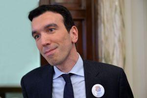 Pd: assemblea elegge Martina segretario. Zingaretti contro Renzi: 'Non ascolta, un limite per un leader'