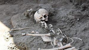 Scavi di Pompei, ritrovati i resti di un bambino nelle Terme Centrali