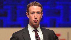 """Facebook, Zuckerberg: """"Ci vorranno anni per risolvere problemi"""""""