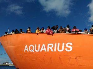 Il porto di Valencia accoglie la nave Aquarius