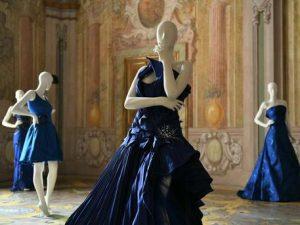 """Lo stilista Renato Balestra, """"l'ingegnere della moda"""",a Napoli per inaugurare la mostra intitolata """"Celeblueation"""""""