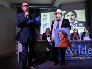 """Ottaviano(NA),si conclude con il trionfo """"bis"""" del poeta Alessandro Gelmi la XII edizione del Premio Wilde"""