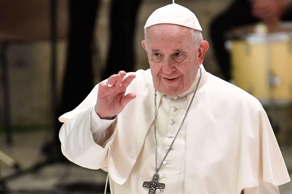 Papa Francesco: ''Preghiamo per le famiglie senza lavoro''