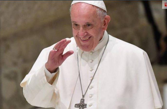 Papa Francesco spiega come vive la quarantena