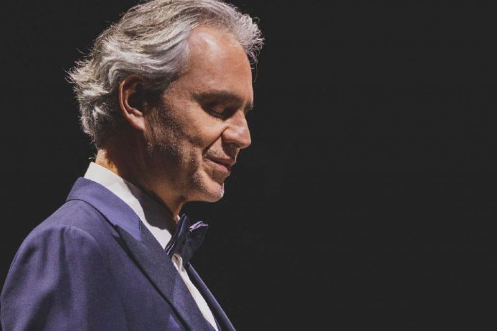 Nel giorno di Pasqua Andrea Bocelli ci farà compagnia in streaming.
