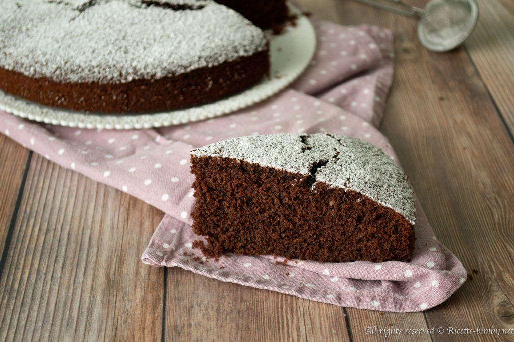 Vuoi creare un dolce senza glutine? Prova la torta al cioccolato senza cottura e uova