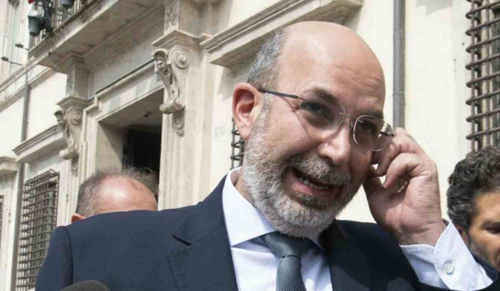 """Vito Crimi, M5S: """"Per noi il Mes rimane una fregatura"""""""