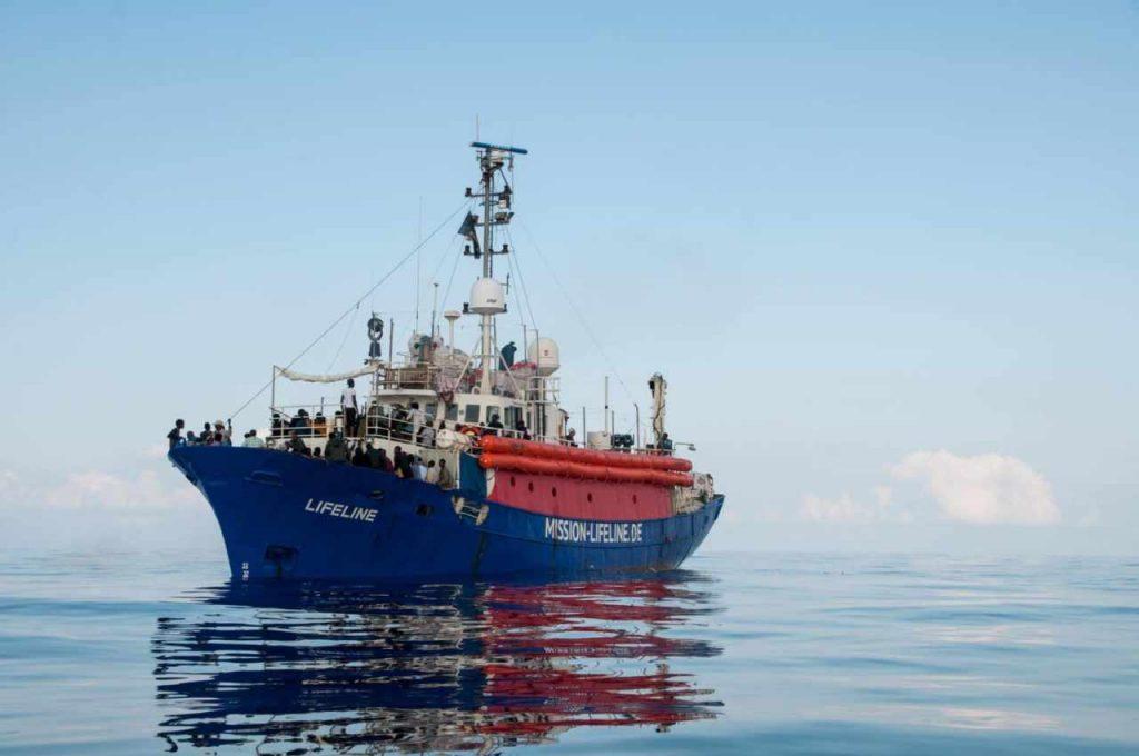 E' ancora braccio di ferro tra Italia e Ong, fermate nuove imbarcazioni