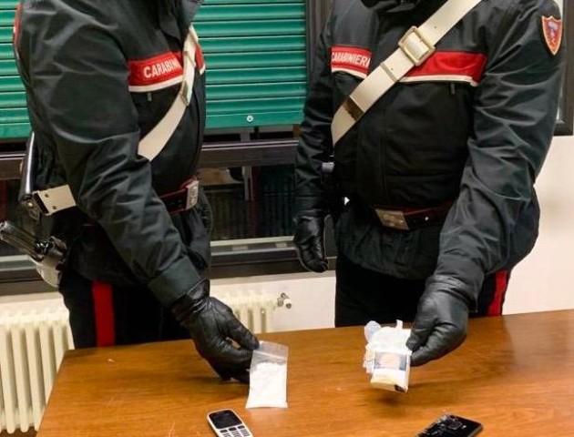 Bologna: arrestati una donne e due uomini per spaccio