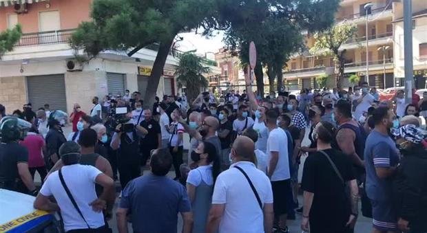 Mondragone(CE),arriva l'esercito. De Luca minaccia chiusura della città