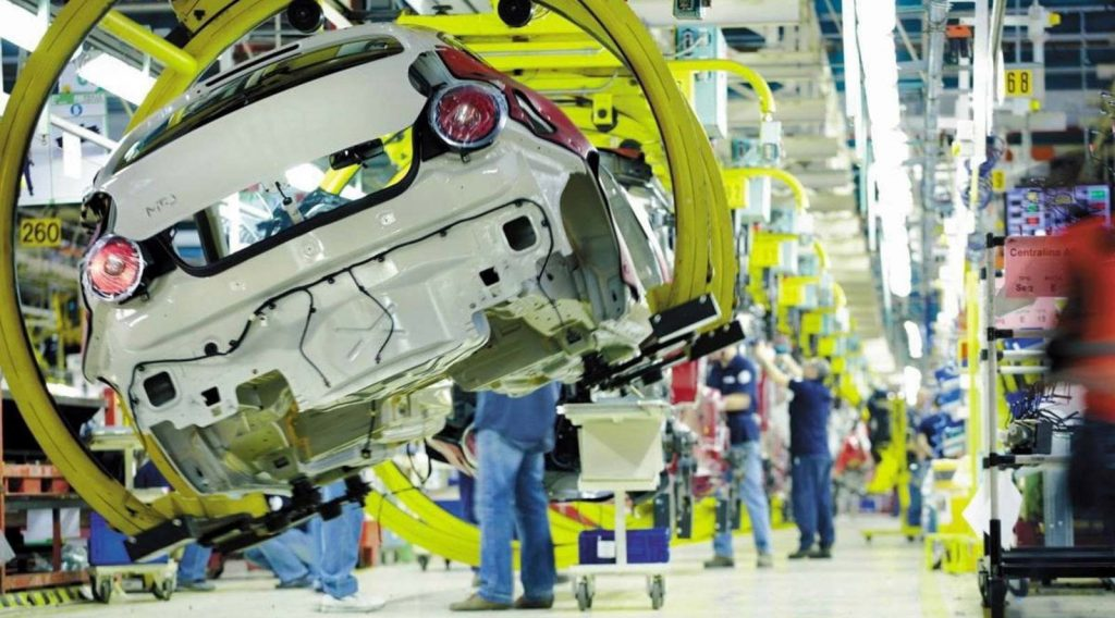 FCA: 'non saranno spostate le produzioni all'estero'