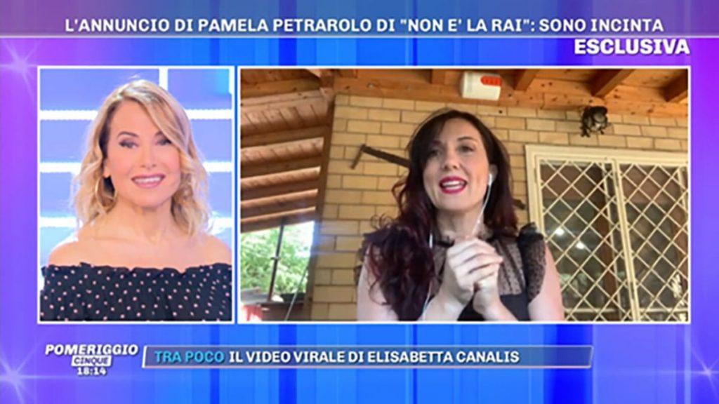 L'ex soubrette di 'Non è la Rai' Pamela Petrarolo annuncia 'è una femmina'