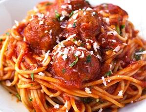 Spaghetti con polpette di tonno: primo piatto da far assaggiare anche ai bambini