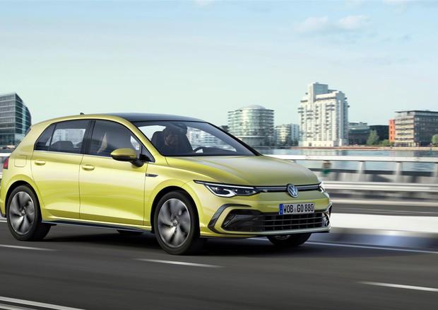 Volkswagen Golf 8: presenta la linea sportiva R-Line