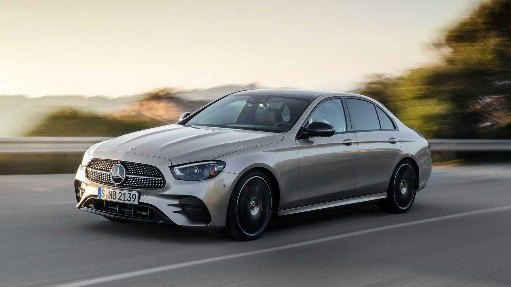 Mercedes presenta la 'Classe E All Terrain' e 'AMG E 53 Matic +'