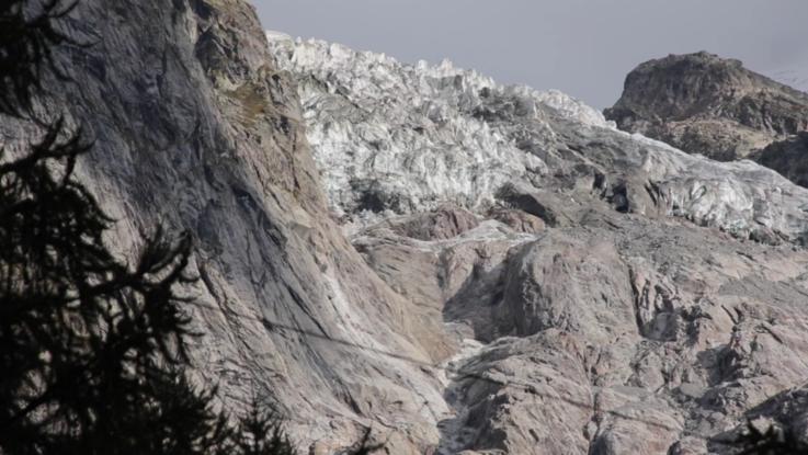 Monte Bianco,allarme per il ghiacciaio sopra la Val Ferret