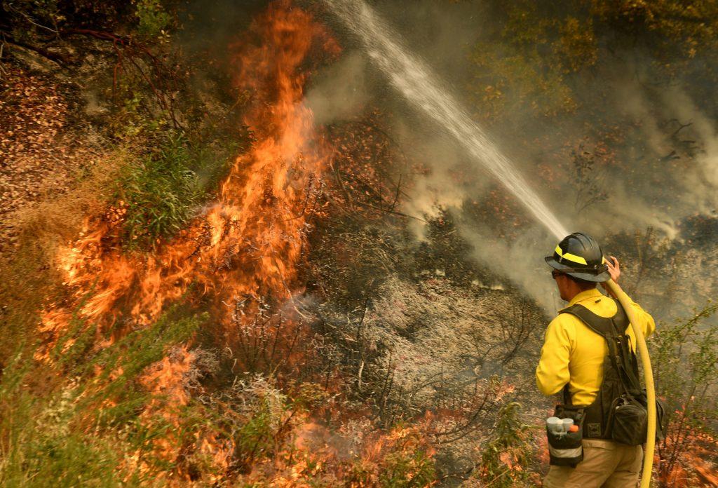 USA: ancora incendi devastano il Paese