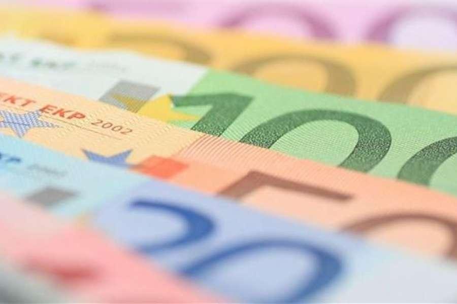 Covid19: consumi ancora in calo, persi oltre 2 mila euro