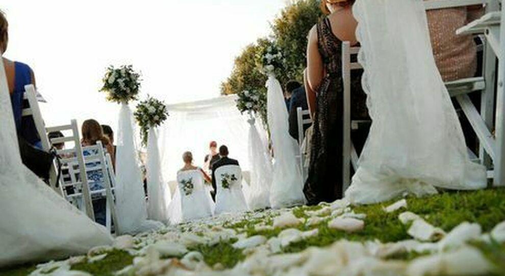 Covid19, USA: Matrimonio a Maine, contagiati  oltre 100 persone