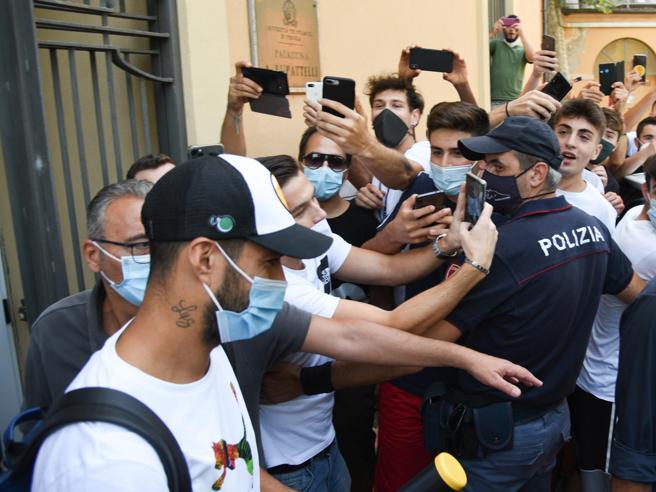 Caso Suarez, la FIGC indaga. Guai in casa Juventus