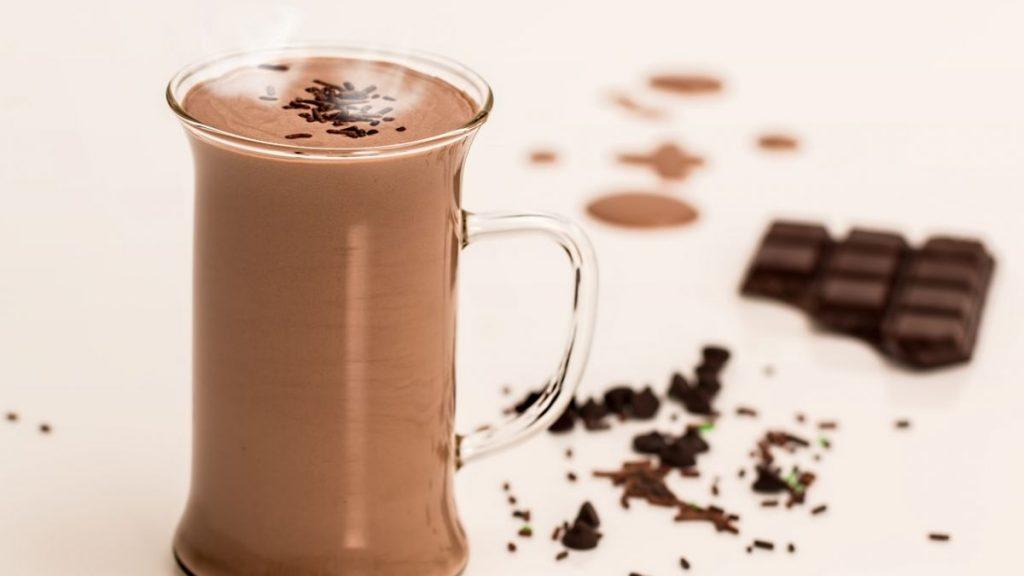 Vuoi una bevanda drenante? perfetto preparane una al cacao, perfetta anche per coloro che sono a dieta!