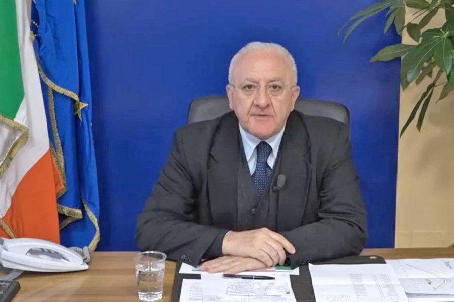 """Campania : De Luca """"chiudiamo tutto"""""""